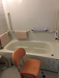 補助具がついたお風呂場になります♪